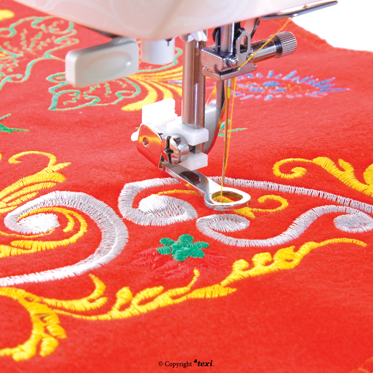 Embroidery foot for household machine